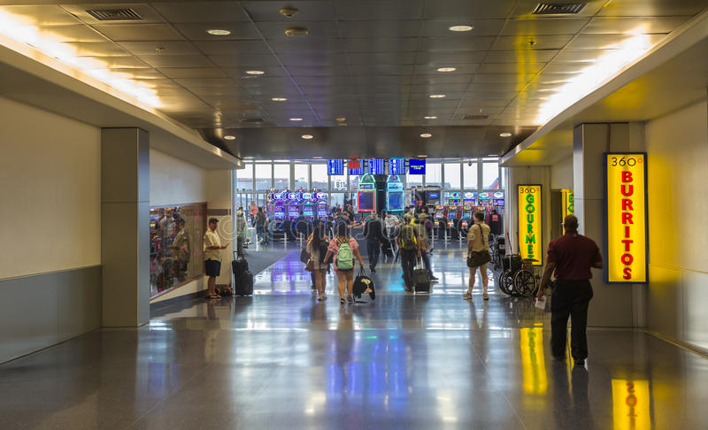 Строб b стробирует международный аэропорт McCarran стержня 1 стоковые фото