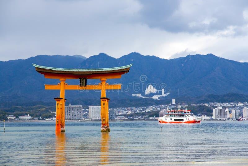 Строб Miyajima Torii стоковое изображение rf