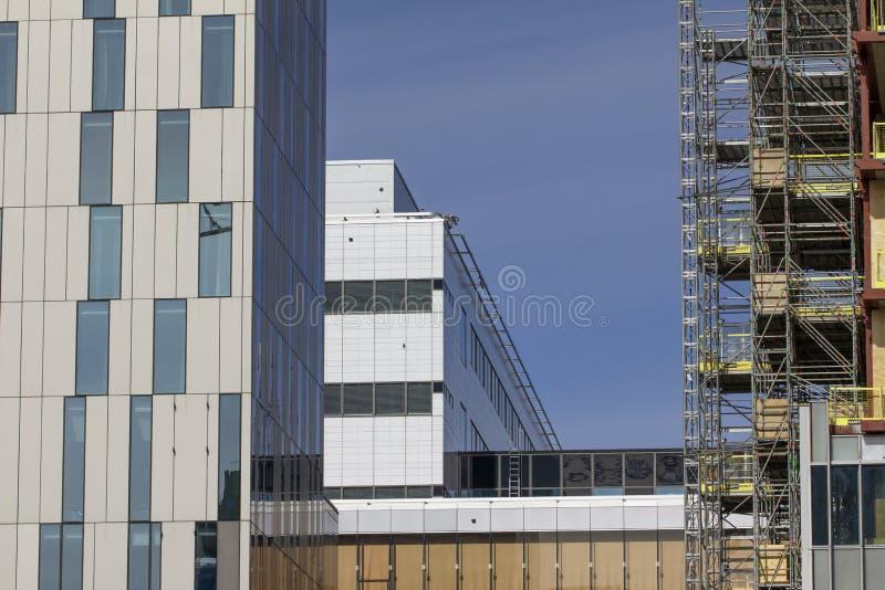 Строительная площадка в сердце Стокгольма Швеции показывая здания с прикрепленными рамками стоковые фотографии rf