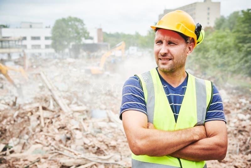 Строительство подрыванием Работник на строительной площадке стоковые фотографии rf