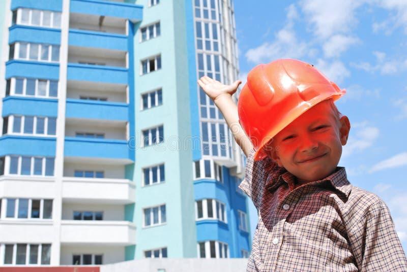 строитель мальчика стоковое изображение rf