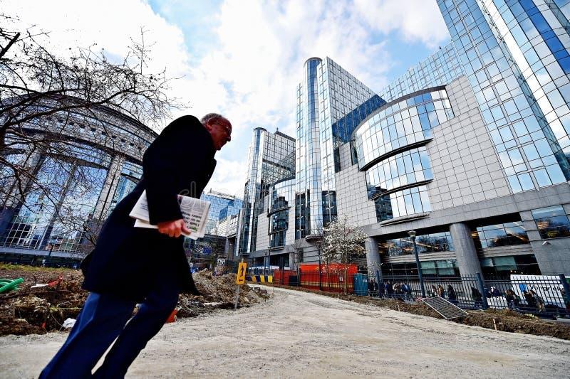 Строительства около штабов европейской комиссии стоковое изображение rf