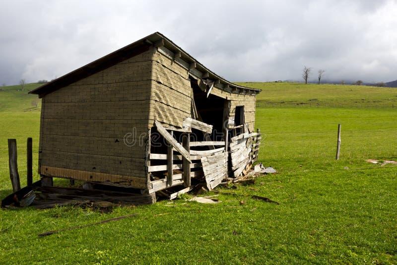 строить вниз с бега фермы стоковая фотография