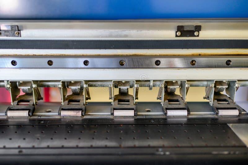 Строка замка рельса платформы струйного принтера стоковое изображение rf
