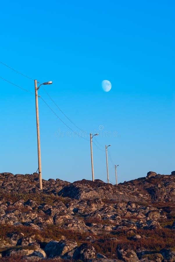 Строка линии электропередач штендеров стоковое изображение