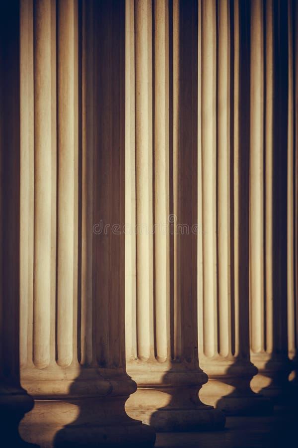 Строка столбцов стоковое изображение