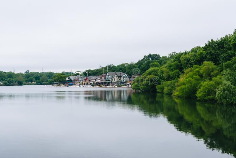 Строка эллинга, вдоль реки Schuylkill, в Филадельфии, Пенсильвания стоковая фотография rf