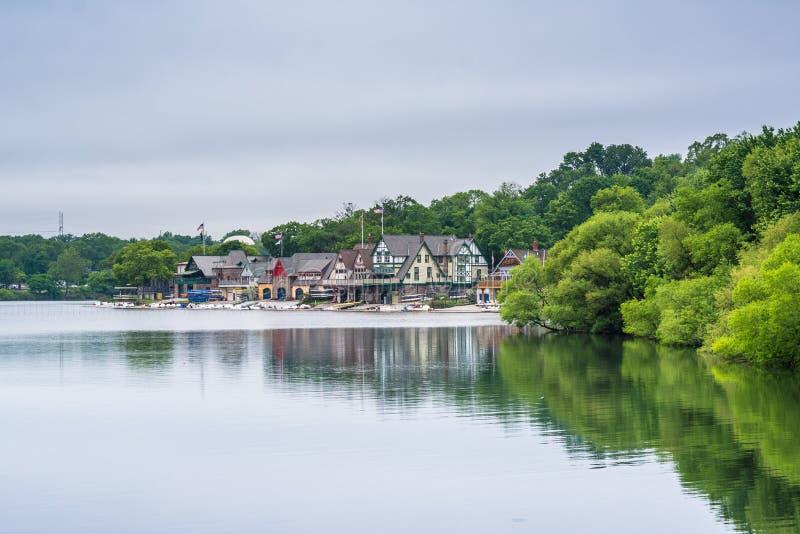 Строка эллинга, вдоль реки Schuylkill, в Филадельфии, Пенсильвания стоковое фото