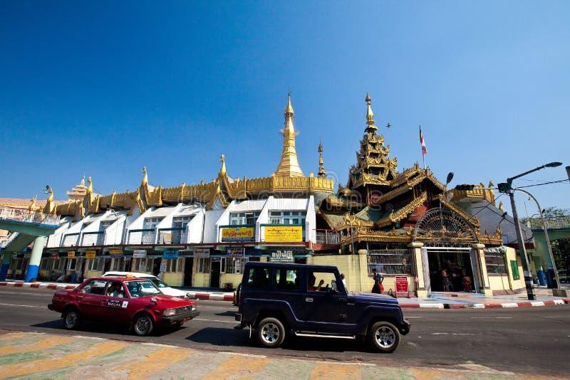 строя важное sule pagoda myanmar стоковые изображения