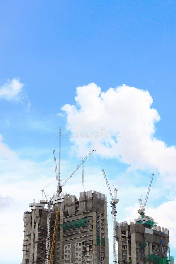 строя идти высок поднимает вверх стоковая фотография rf