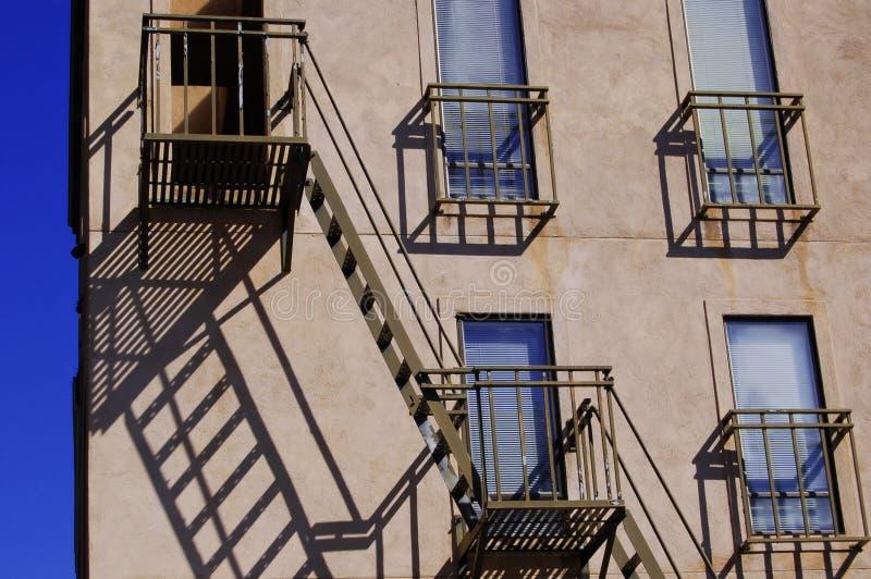 Download строя пожар избежания самомоднейший Стоковое Фото - изображение насчитывающей выход, напольно: 6869726