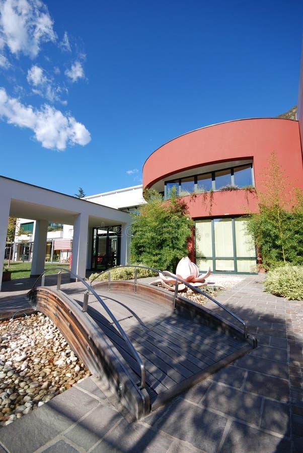 строя самомоднейшая школа стоковая фотография rf