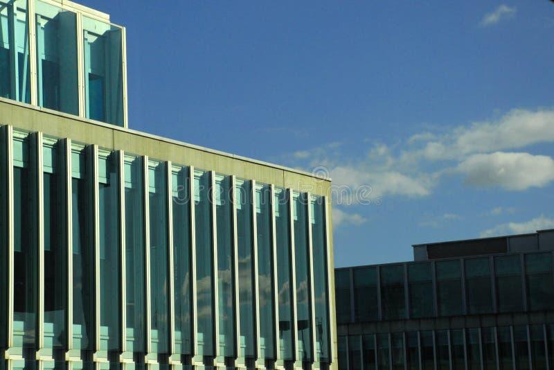 строя самомоднейший офис стоковое изображение