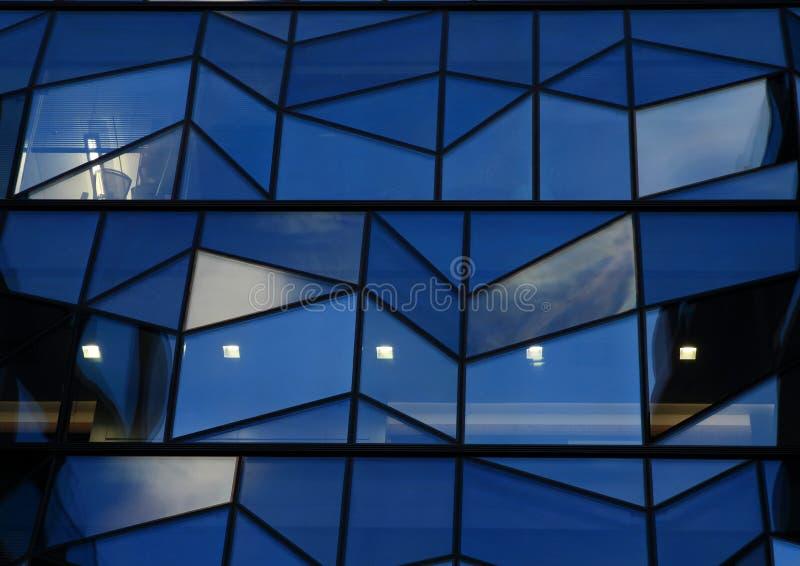 строя самомоднейший офис стоковые изображения