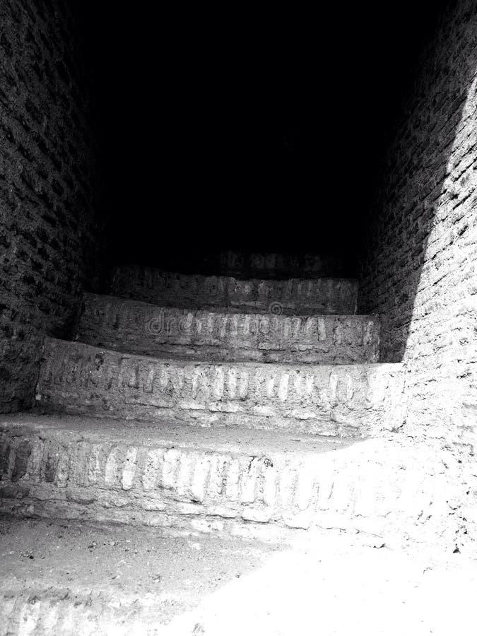 строя старые лестницы стоковая фотография