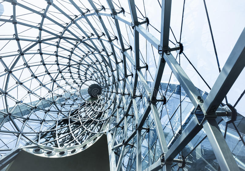 Структура металла кривой архитектуры современная строя стеклянная стоковые изображения rf