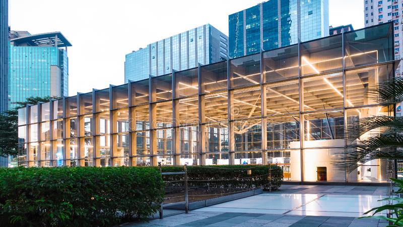 Структура стены стекла конструкции алюминиевого сплава современного здания стоковое фото rf