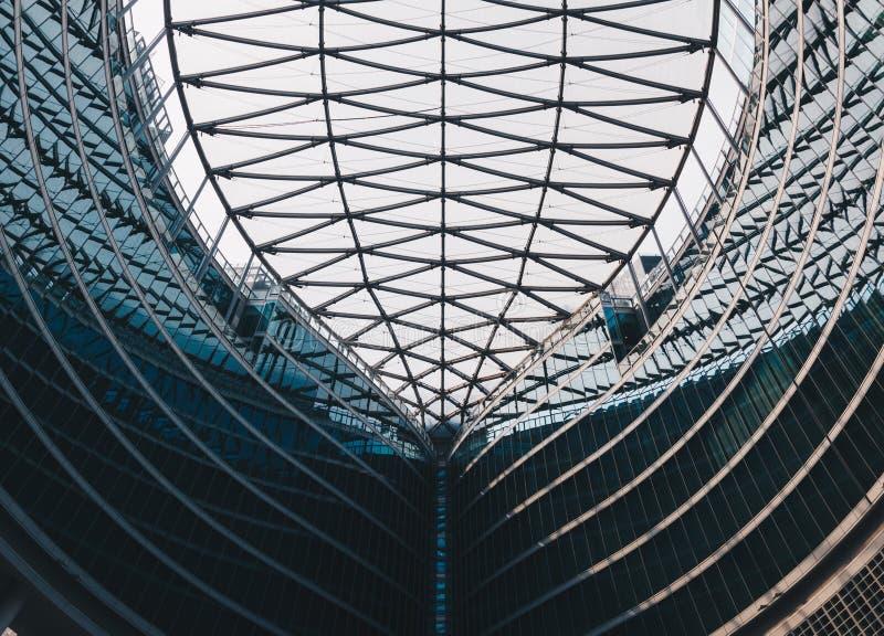 Структуры Милана ИТАЛИИ - июля 2018 абстрактные современного строя стекла стоковое фото rf
