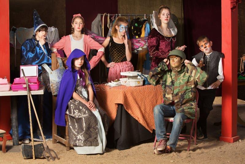 7 студентов театра в уборной стоковое изображение