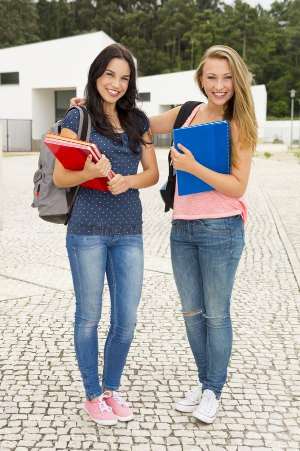 студенты подростковые стоковая фотография