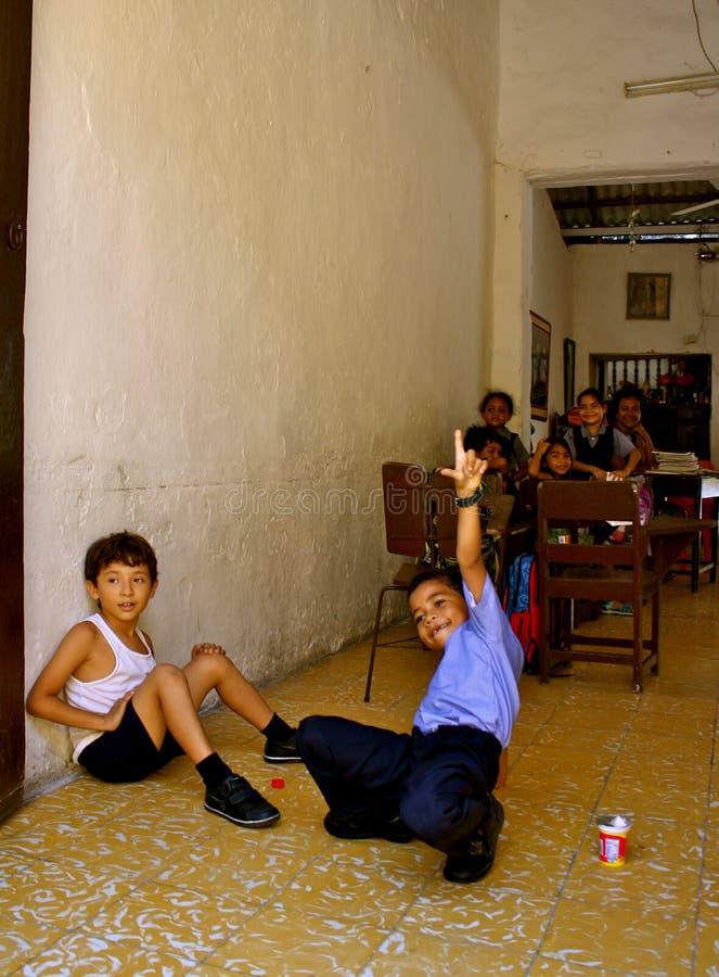 студенты школы Колумбии элементарные живейшие стоковое фото
