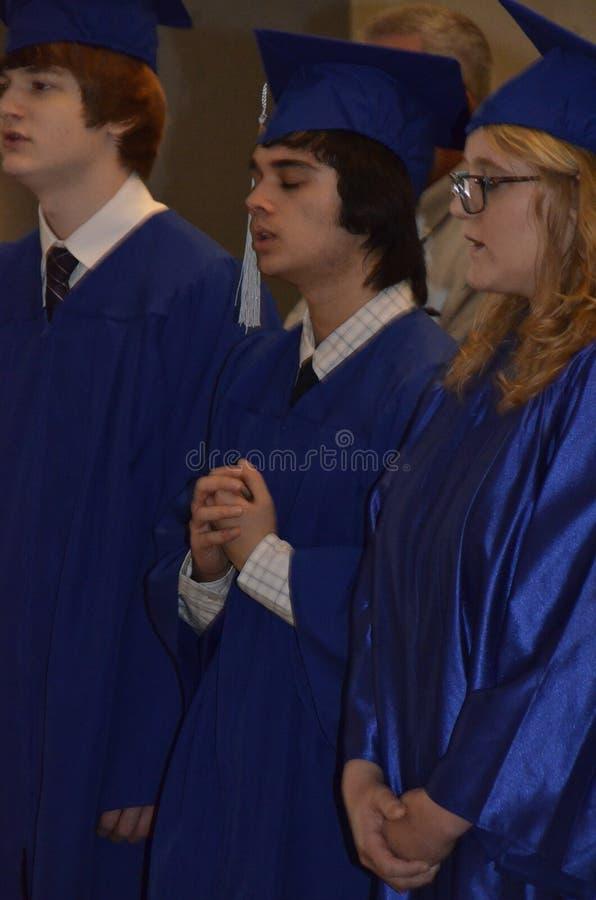 Студент-выпускники средней школы стоковое изображение rf