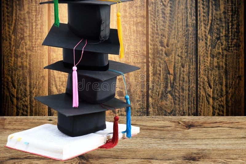 студент-выпускники стоковая фотография rf
