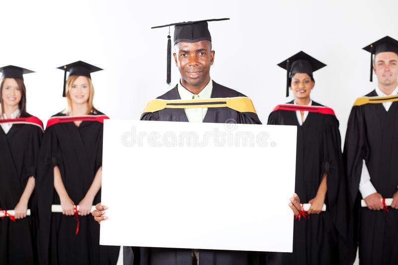 Студент-выпускник африканца стоковое фото