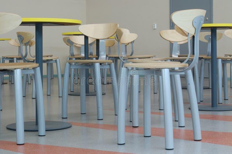 стулы опорожняют серии стоковое фото