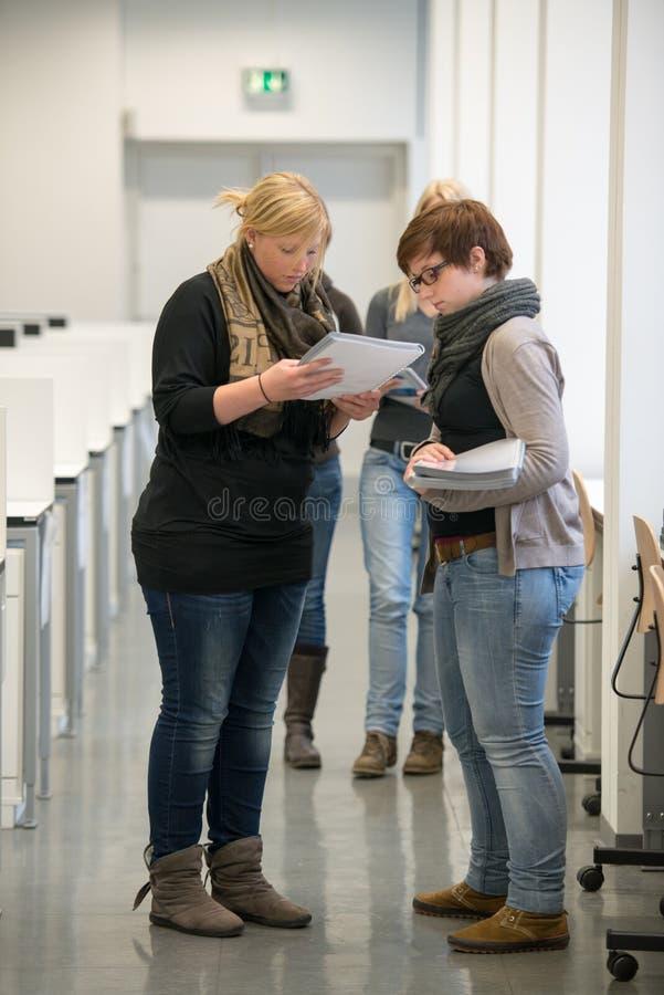 Студенты стоковые изображения rf