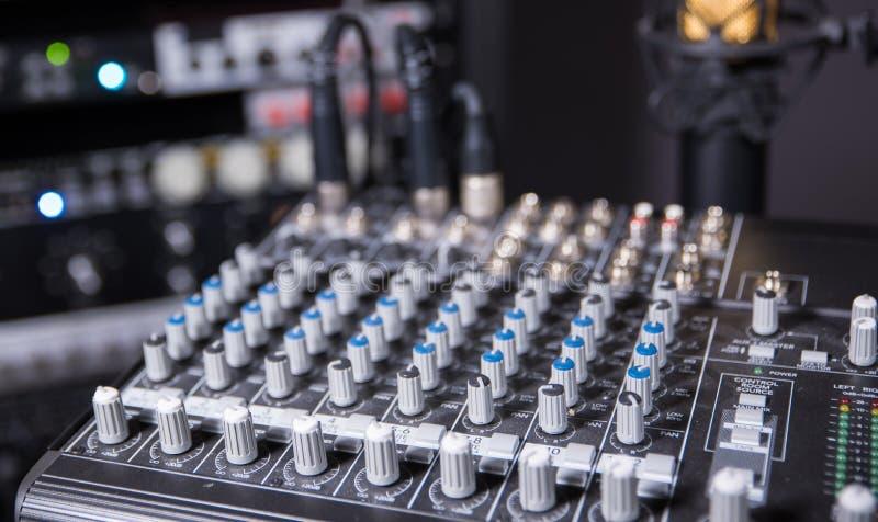 Студия звукозаписи музыки - съемка искусства стоковое фото rf