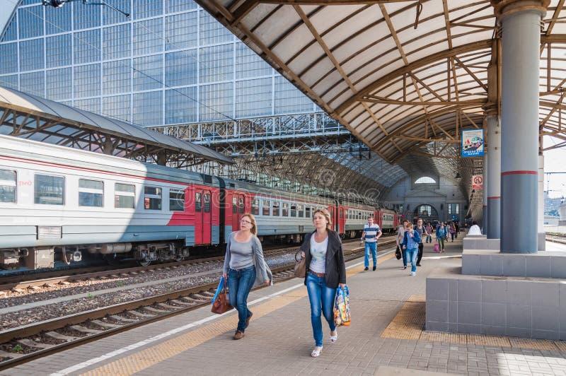 киевский вокзал пригородные поезда фото оно так