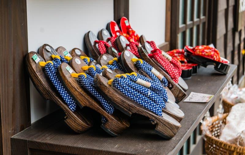 Сувениры внутри Shirakawa-идут стоковое фото