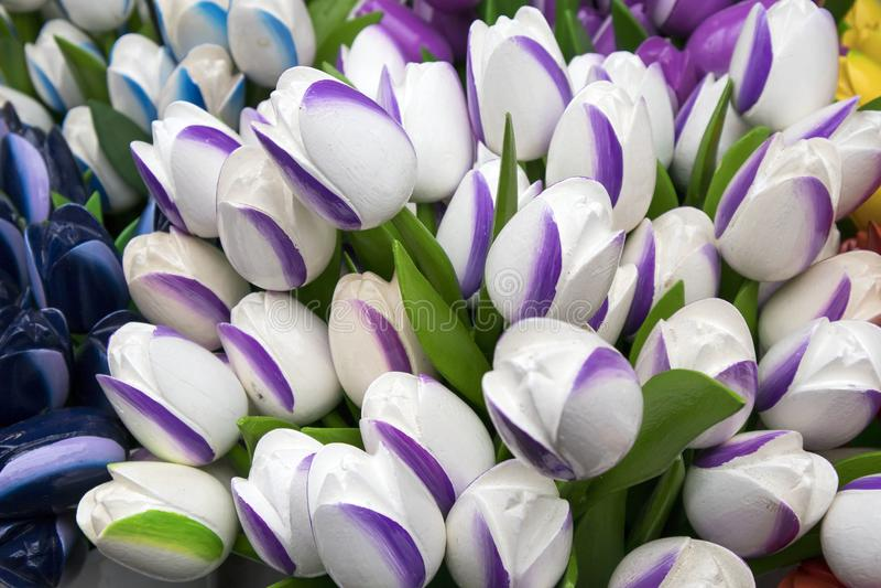 Сувениры на Bloemenmarkt - плавая рынке цветка на канале Singel Амстердам Нидерланды стоковое фото rf