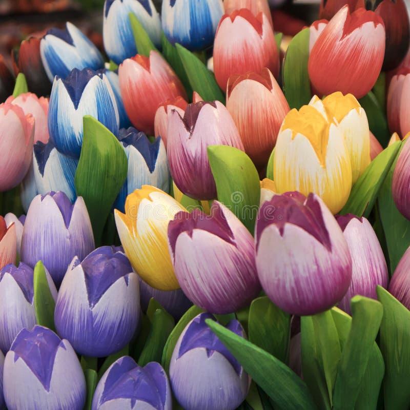 Сувениры на Bloemenmarkt - плавая рынке цветка на канале Singel Амстердам Нидерланды стоковое фото