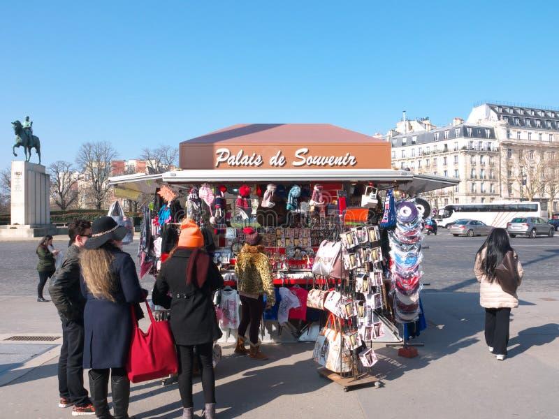 Сувенир Киоск Palais de Chaillot Париж Франция стоковые изображения