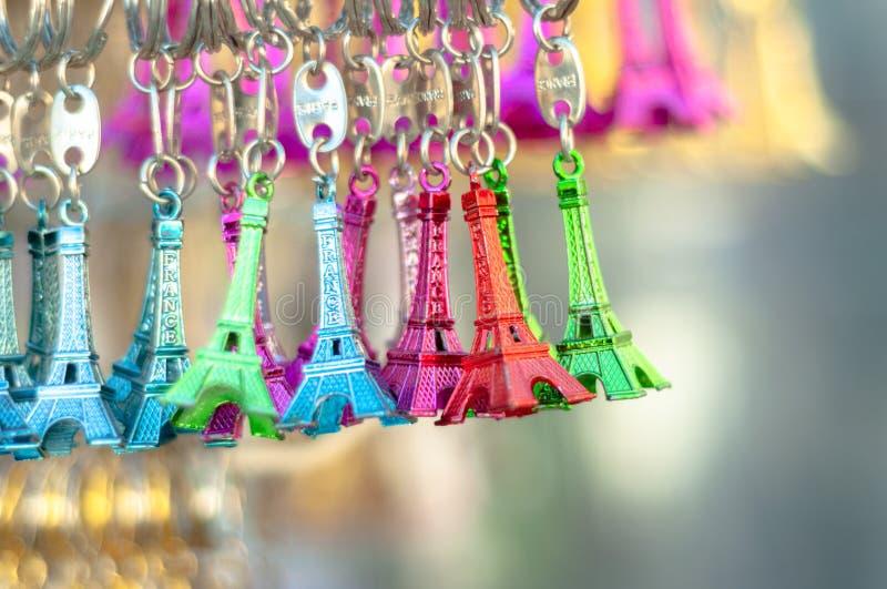сувенир paris Эйфелевы башни Litlle для продажи в различном стоковые фото