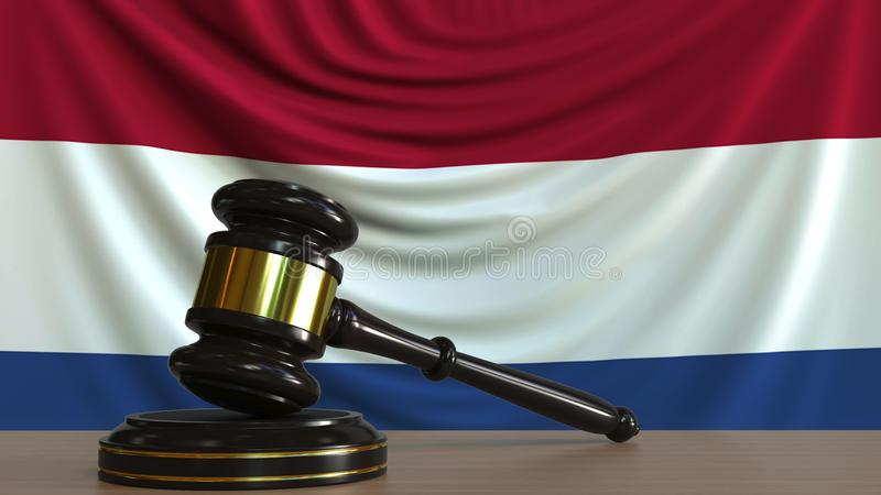 Судите молоток и блок ` s против флага Нидерландов Перевод 3D голландского суда схематический бесплатная иллюстрация