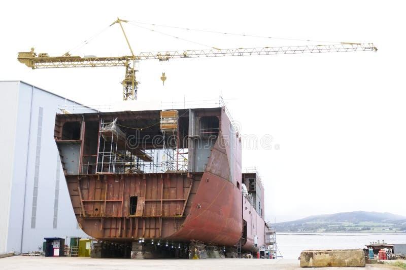 Судостроение и кран в гавани гавани дока ремонтины судостроения Глазго порта стоковые изображения rf
