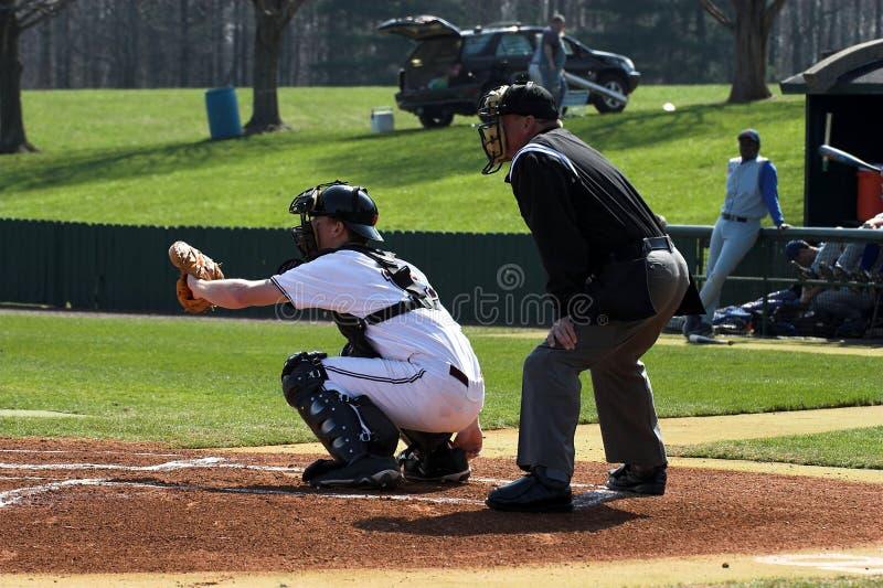 судья на вышке плиты batter бейсбола стоковое изображение rf