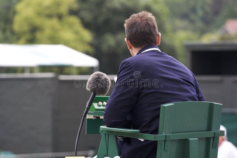 судья на вышке тенниса стоковые фотографии rf