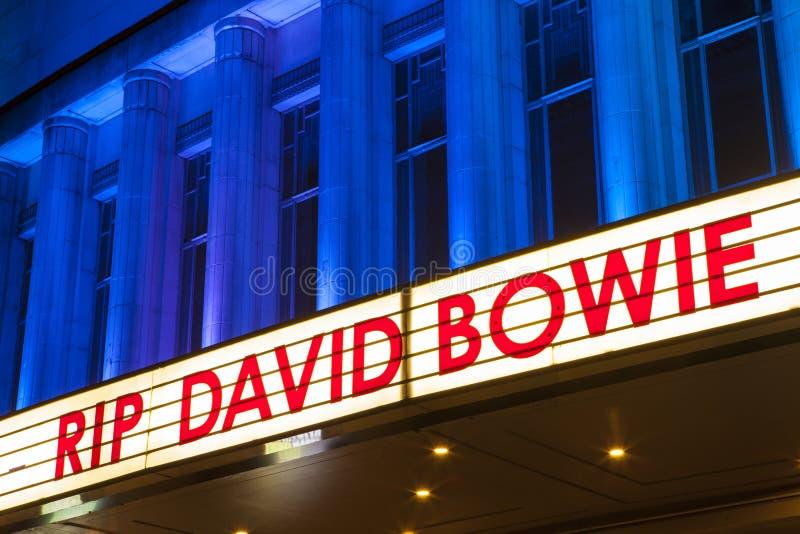 СУЛОЙ David Bowie на Hammersmith Аполлоне стоковые изображения rf