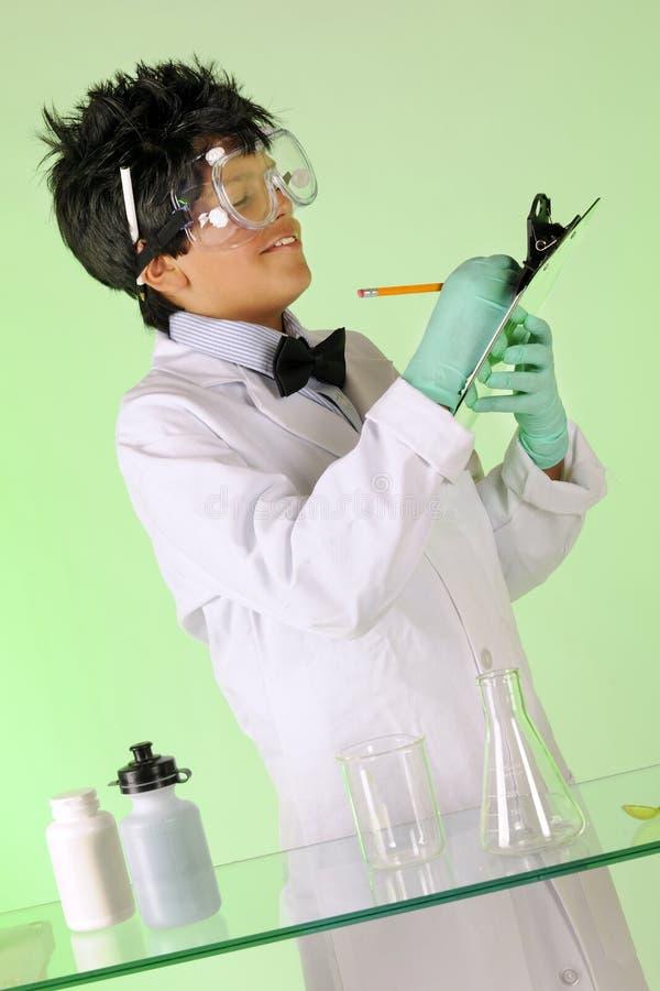 сумашедший принимать научного работника примечаний стоковые фото