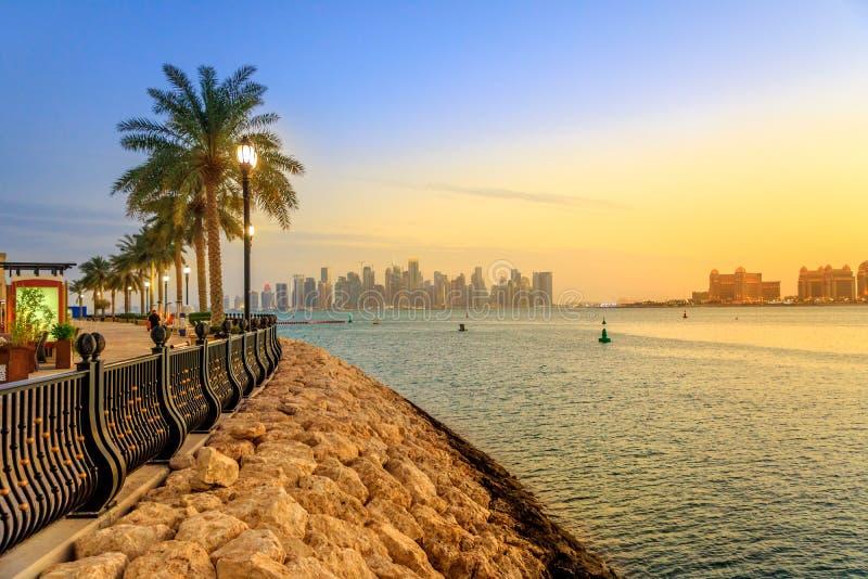 Сумерки горизонта Порту Аравии стоковые изображения