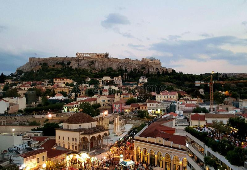 Сумерк на Monastiraki, Афинах, Греции стоковое фото