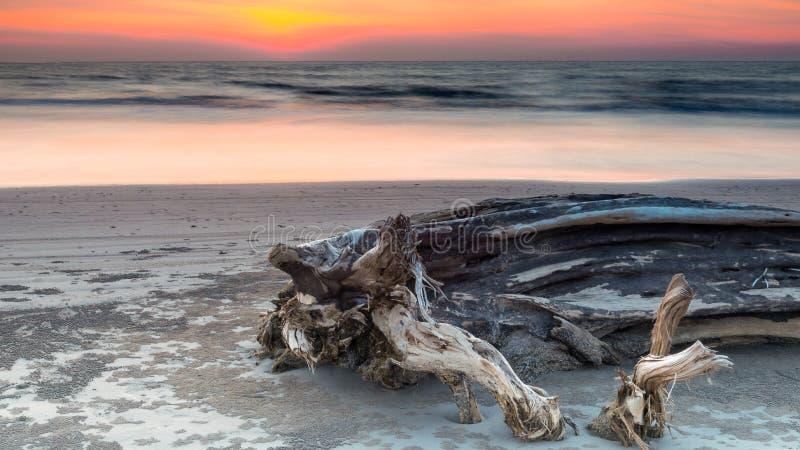 Сумерк, пляж Lutong стоковые изображения