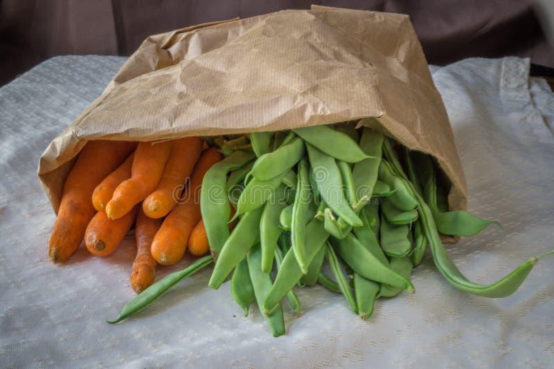 Сумка морковей и бобов стоковые изображения rf