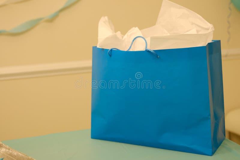 Сумка Eco дружелюбная голубая бумажная стоковое изображение rf