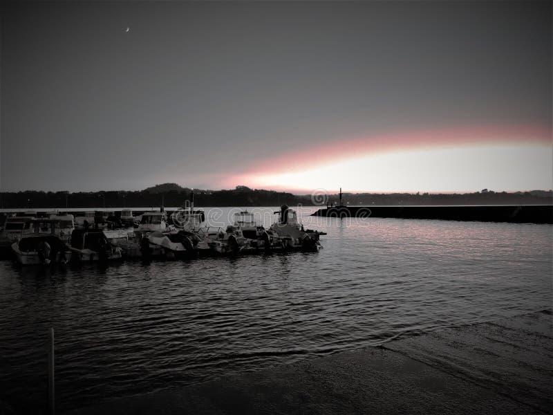 Сумрак в порте стоковые фотографии rf