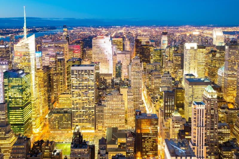 Сумрак горизонта Нью-Йорка стоковое изображение